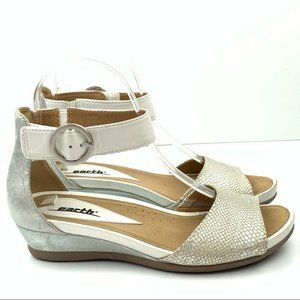 Earth sandals size 6.5 Hera silver leather wedges